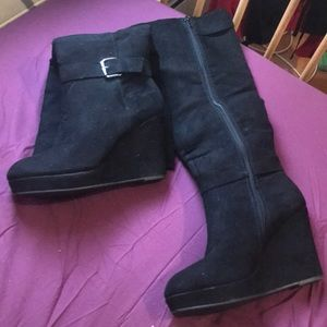 Size 8 wide calf  boot heels knee high faux suede